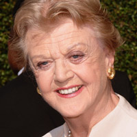 Angela Lansbury Takes 'Blithe Spirit' to West End