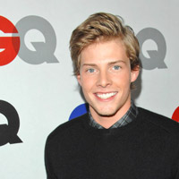 'Weeds' Hunter Parrish Becomes Heavenly Deity in 'Godspell'