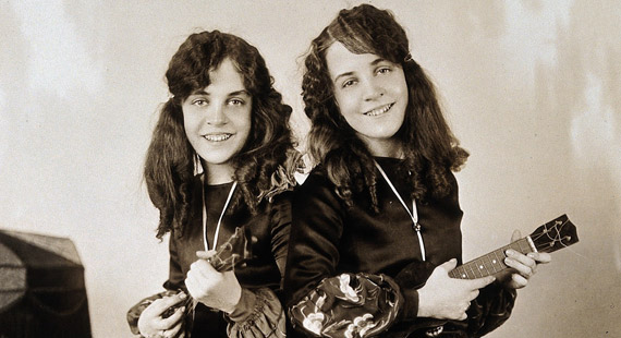 Violet & Daisy Hilton